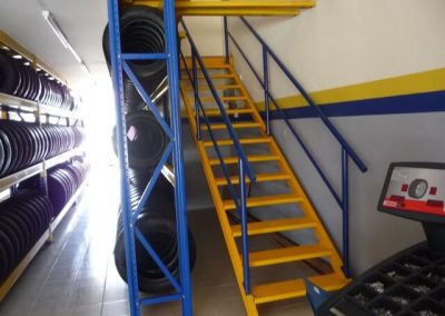 Typetech Berakas Shoew Room Mezl Floor Stair Case 12-04-2011_bdfqYg0R5OQCNUAYqyWP-3648x2736
